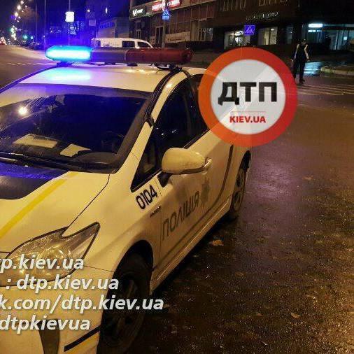 В Києві п'яні перехожі жорстоко побили жінку-поліцейського (фото)