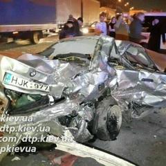 Смертельна ДТП в Києві: машину на литовських номерах винесло на зустрічну смугу (відео)