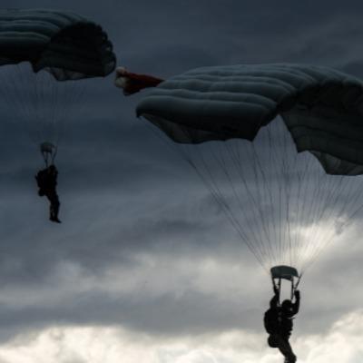 В Росії загадково зникли десантники