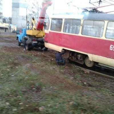 Трамвай зійшов із рейок у Харкові (фото)