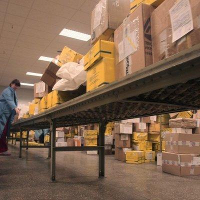 В Одесі співробітник пошти викрав посилку з 170 тис. грн