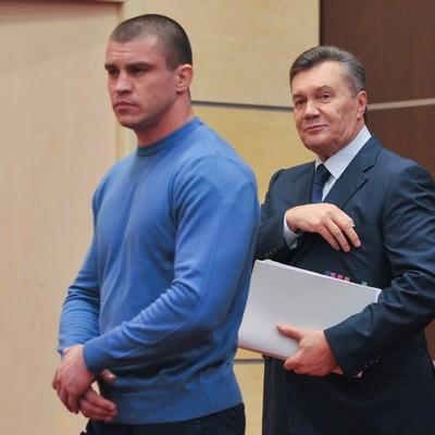 Матіос сподівається на приїзд Януковича в Україну вже в грудні
