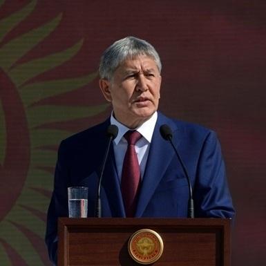 Президент Киргизії попросив російських військових залишити країну