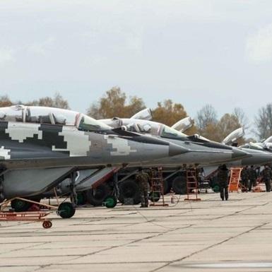 Авіація України відпрацює удари в районі Криму