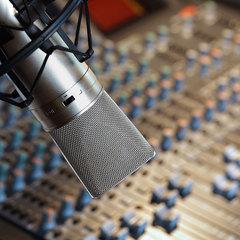 Нацрада перевірить дві радіостанції через порушення закону про квоти на українські пісні