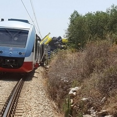 Жахливе зіткнення потяга із вантажівкою