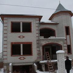 Господар будинку в Княжичах, де ховалися оперативники, хоче його продати