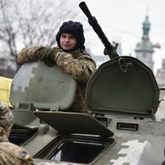 День ЗСУ у Львові: військові та техніка на вулицях міста (фоторепортаж)