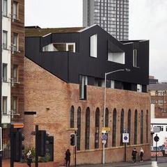 В Англії розшукали будівлю схожу «як дві краплі» на новий Театр на Подолі