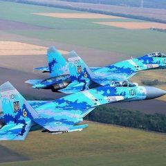 Російські пропагандисти оконфузилися: випустили листівку з пілотом американського винищувача F-16 (фото)