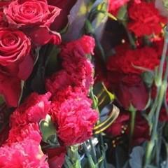 «Люди непритомніли від горя»: українці поховали трьох жертв стрілянини у Княжичах (фоторепортаж, відео)