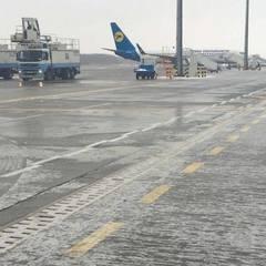У «Борисполі»  призупинені авіарейси