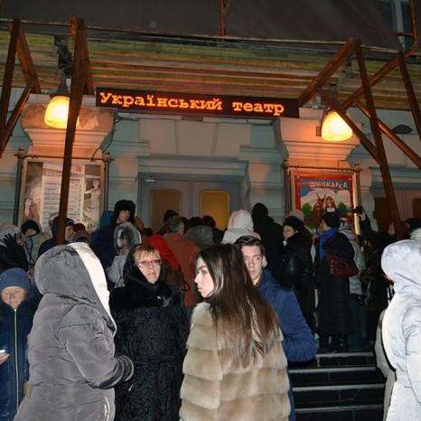 В Одесі російську «православну співачку» змусили виступати на вулиці (відео)