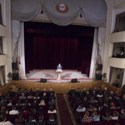 Гройсман обіцяє студентам стипендії до 2000 гривень