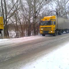 На Полтавщині через погодні умови 15 вантажівкок не змогли продовжити дорожній рух