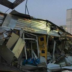 Вранці тракторами знесли МАФи на Оболоні (фото)