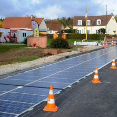 «Сонячний шлях»: у Франції збудували пуршу у світі дорогу із сонячних батарей