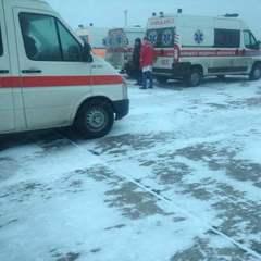 Літак із пораненими у зоні АТО екстенно сів у Вінниці (відео)
