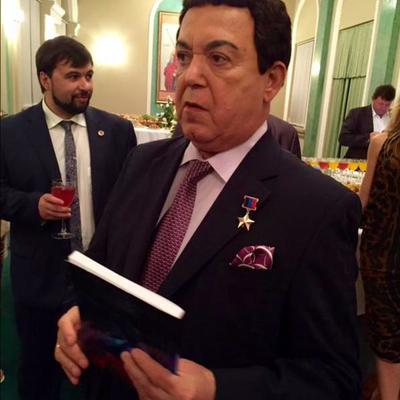«Той у Москві»: Кобзон «викрив» ватажка бойовиків Захарченка