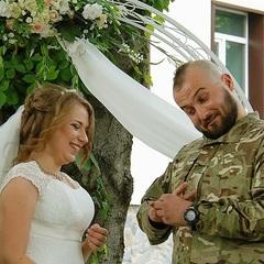 Молодята прибули на власне весілля прямо із передової
