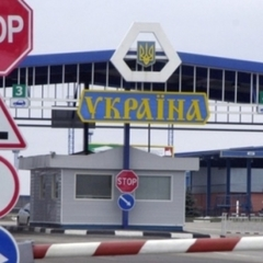 На Польському кордоні в чергах стоять майже 800 автомобілів