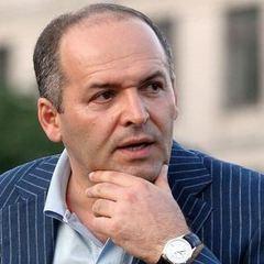 Відмови від ЄС та НАТО не буде, Кримом не торгуємо: в АП відповіли на статтю Пінчука