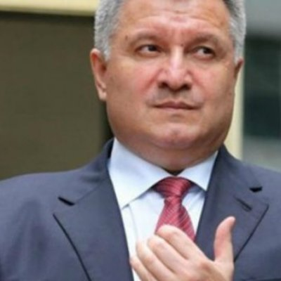 Аваков подарував нардепу 6 одиниць зброї