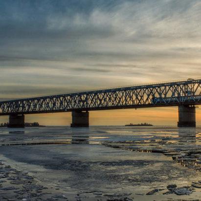 Приголомшливо!: жителька Дніпра хотіла стрибнути із моста в Старий Новий рік