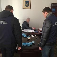 Керівник Львівської митниці займався поборами з підлеглих