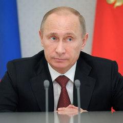 «Навіть не думай!» - виконавець ролі Шерлока Холмса просить Путіна ніколи не залишати пост президента (відео)