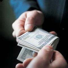 Як чиновникам організовують підставу з хабарем