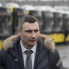 Віталій Кличко закликав киян-водіїв не виїжджати у місто без нагальної потреби (відео)