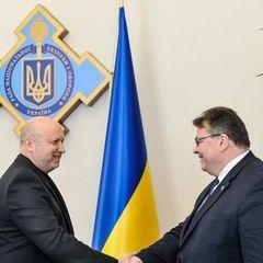 Кожен день на територію Донбасу завозять з Росії нову техніку і зброю - Турчинов