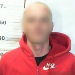 40-річний чоловік побив та пограбував киянку біля її будинку
