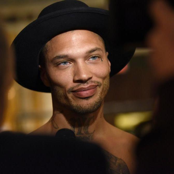 «Найсексуальніший злочинець в світі» вийшов на подіум на Тижні моди в Нью-Йорку (фото)
