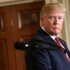 Трамп знає причину відставки радника з нацбезпеки