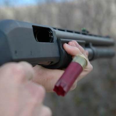 В Дніпрі чоловік відкрив стрілянину із під'їзду будинку