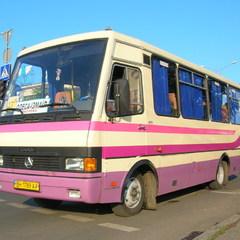 На трасі Одеса-Київ обстріляли пасажирський автобус, є поранені