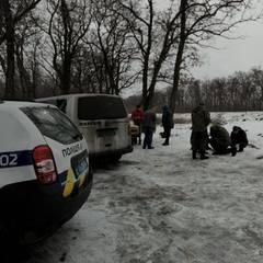 На Донеччині поліцейські виявили автомобіль вщент набитий зброєю (фото)