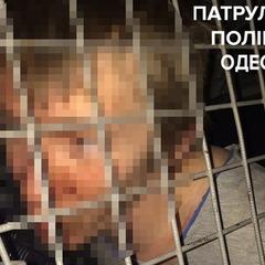 Дезертир та його товариш в Одесі під час бійки розбили чотири авто