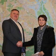 «Вас шукає поліція» - Крищенко повернув студенту гаманець, загублений півроку тому в Словаччині
