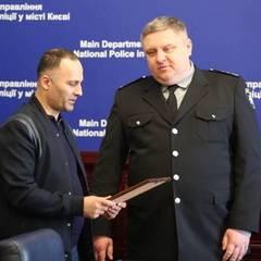 Крищенко нагородив ліванського стоматолога, який лікує бійців у зоні АТО