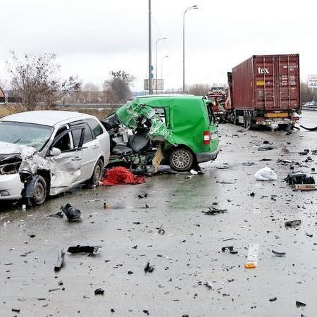 Смертельне ДТП під Києвом: четверо загиблих (фото)