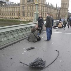 Теракт у Лондоні: є загиблі, є поранені (фото)