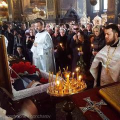 Опубліковані перші фото із похорону Дениса Вороненкова