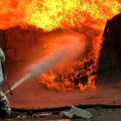 У Великобританії потужний вибух вщент зруйнував танцювальну студію (фото, відео)