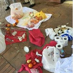 Туалетний папір і виделки: у соцмережі показали вміст валізи українського туриста після виселення з готелю в Єгипті (фото)