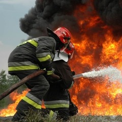 Масштабна пожежа під Києвом. З