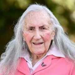 У Великобританії 90-річний ветеран Другої світової змінив стать