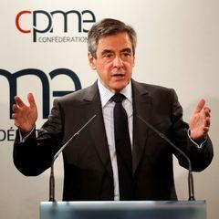 Кандидата у президенти Франції обсипали борошном